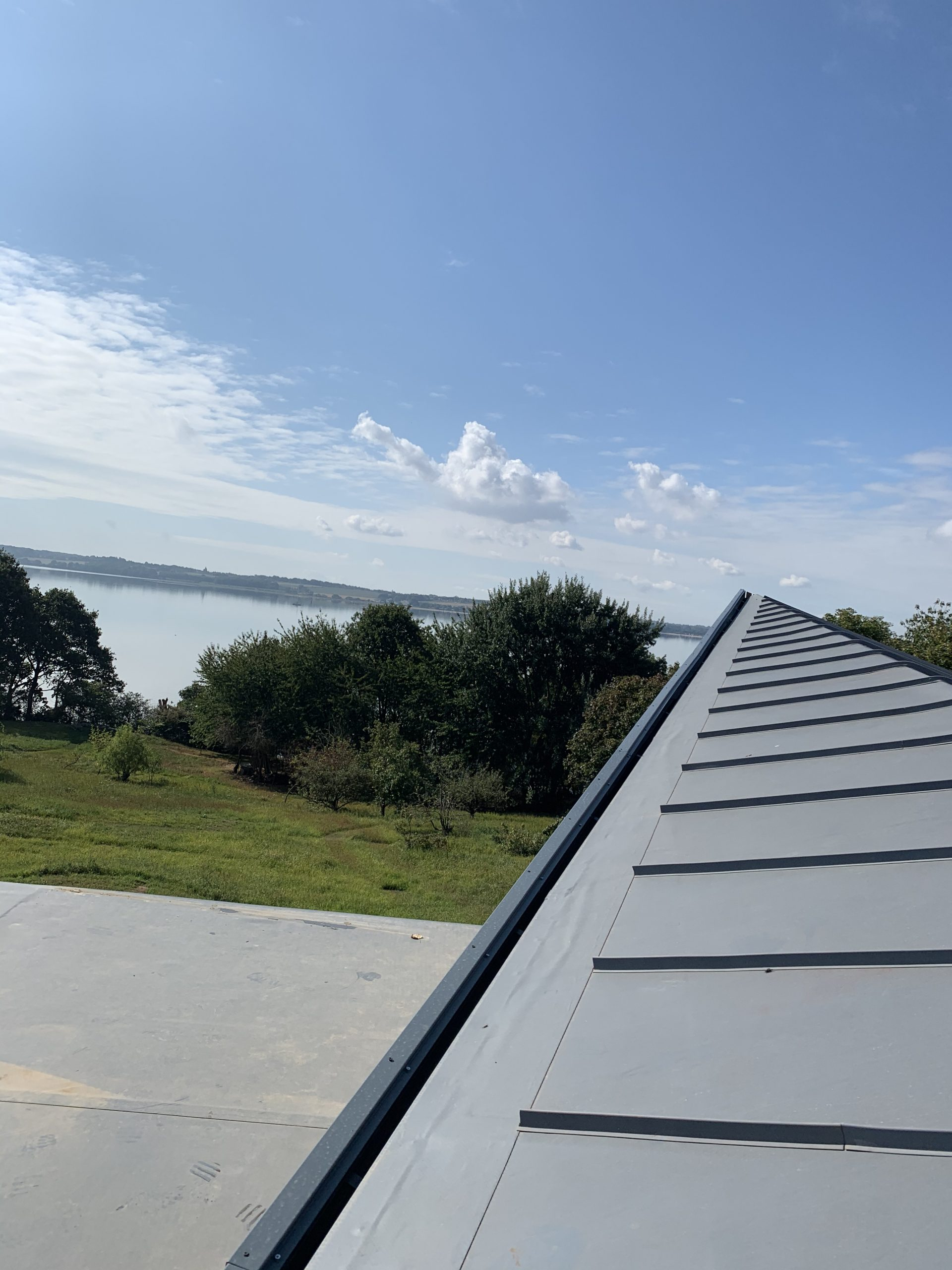ea roofing